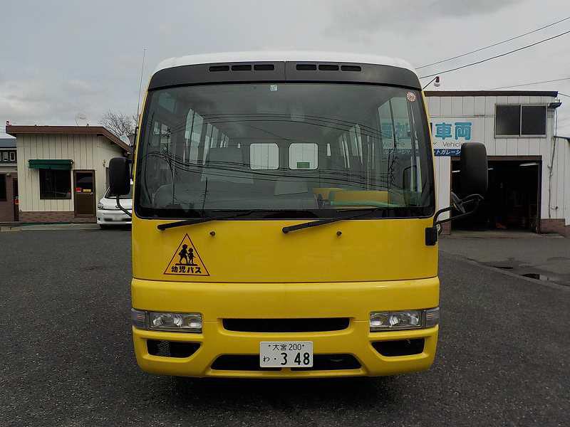 シビリアン 大人3人+幼児39人 中型免許 MT車 ・348
