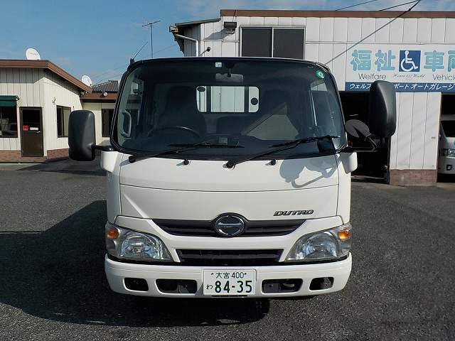 日野デュトロ2�トラック・平ボディー 8435
