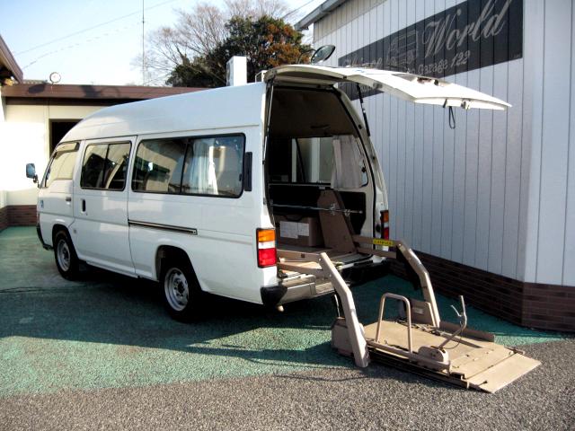 キャラバン福祉車輌車椅子2台10人乗り504