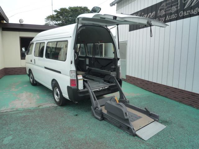 キャラバン 車椅子リフト仕様2台10人乗  ・564
